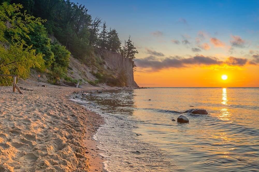 Wschód słońca nad Morzem Bałtyckim, Gdynia Orłowo - obrazy, fototapety, plakaty